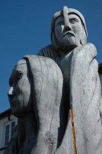 """Arthur and Guinevere"" (Llangybi, UK); image courtesy of wikimedia commons."